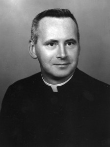 Vietnam Rev Robert J Walsh VU Pres 1969 photo