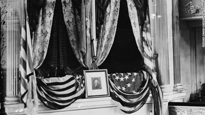 150401161637-lincoln-ford-theatre-presidents-box-exlarge-169