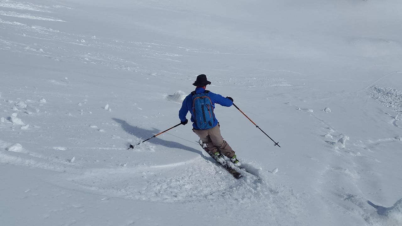 skiing-1343307_1280
