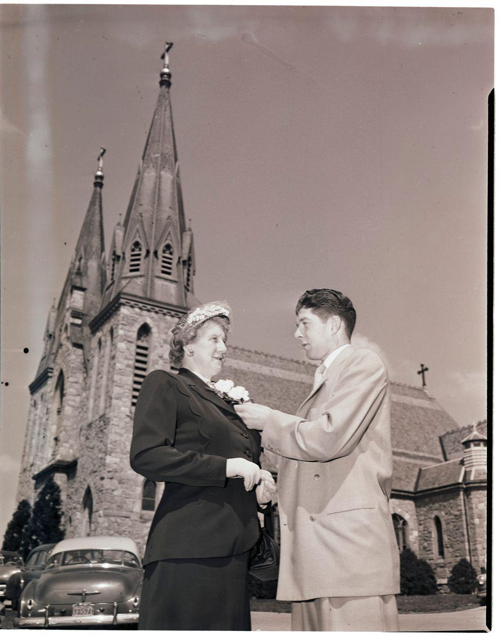 Corsage pinning, 1951